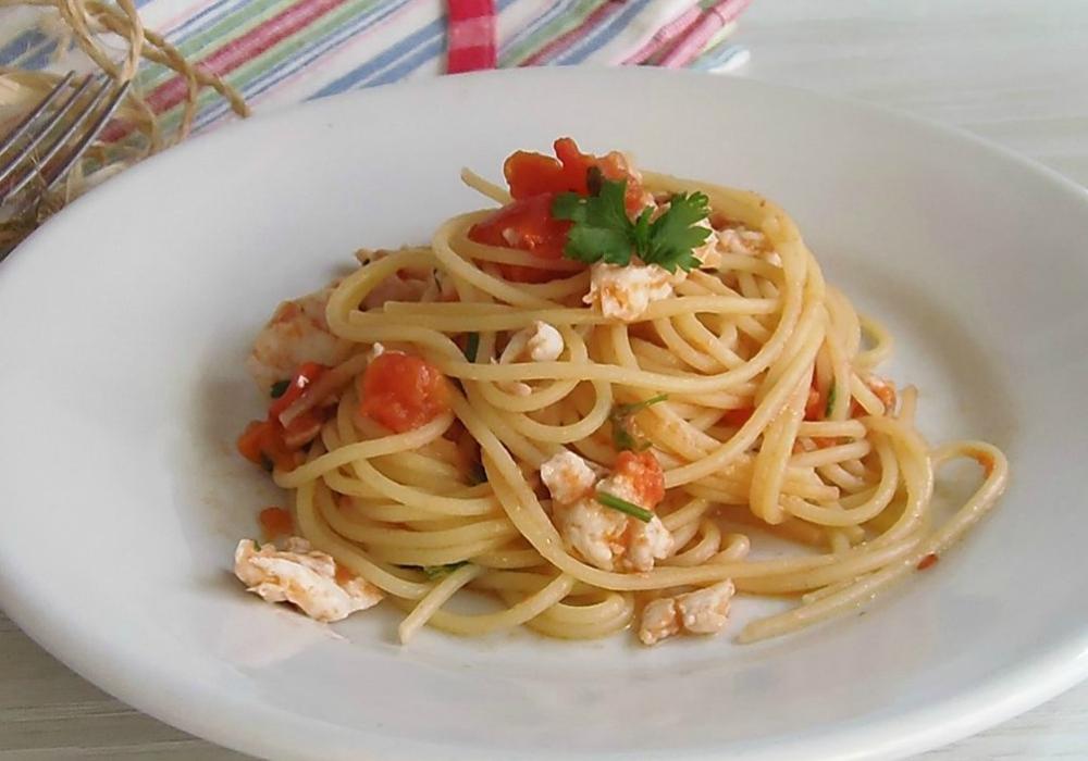 Spaghetti Con Pesce Persico Di Lago E Pachino Ricetta Di Pesce Umbra